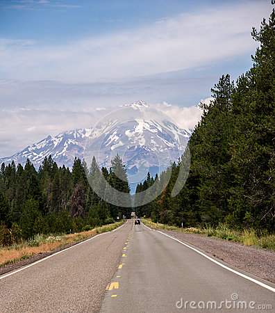 The Road to Mount Shasta