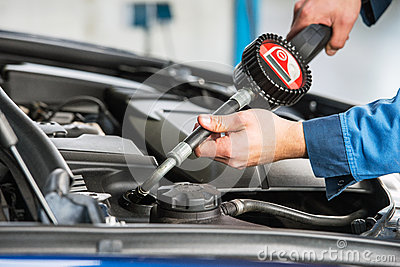 Oil change with an electronic dosage system