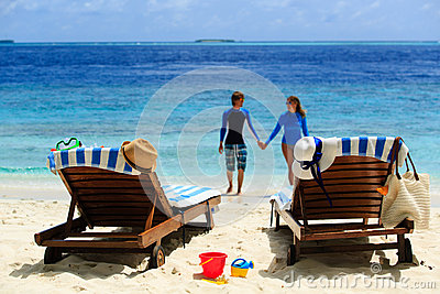 Happy loving couple on tropical beach