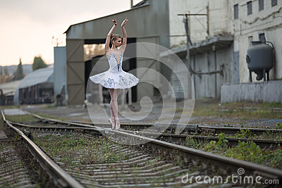 Ballerina on rails