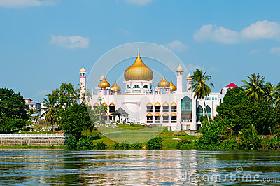 Pink Mosque in Kuching (Borneo, Malaysia)