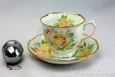 Vintage Bone China Tea Cup and Saucer 3