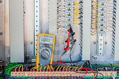 Voltage 24 Vdc Measurement connectivity at terminal of Electrica
