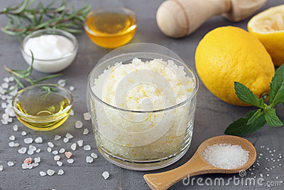 Body scrub of sea salt with lemon