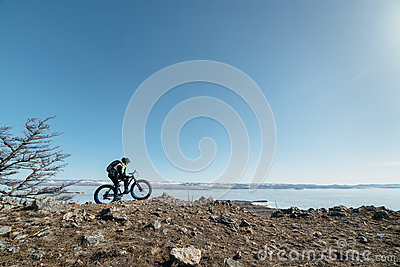 Fatbike (fat bike or fat-tire bike)