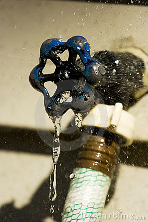 Amazing Outside Faucet Leaking From Spout Gallery - Exterior ideas ...