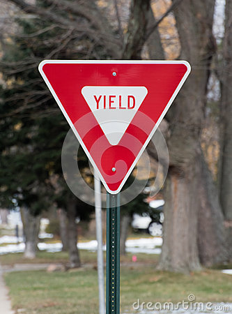 Yield street sign