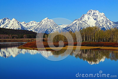 Grand Teton Range reflected in Oxbow Bend of the Snake River, Grand Teton National Park, Wyoming