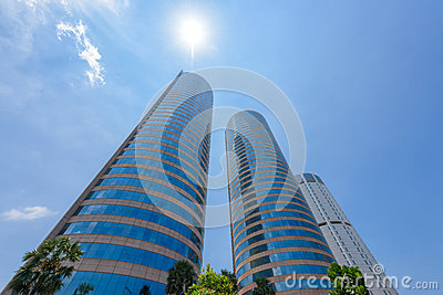 World Trade Center and Bank of Ceylon buildings are the tall building in Colombo