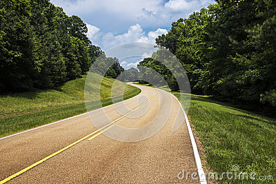 View of the Natchez Trace Parkway in Mississippi
