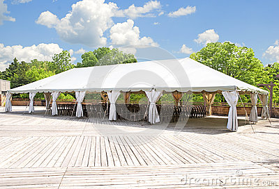 Outdoor tent for weddings or other festivity