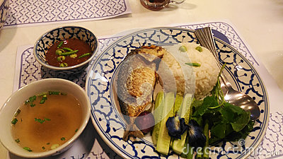 Shrimp paste chili sauce with mackerel fried and fresh vegetables the old popular delicious