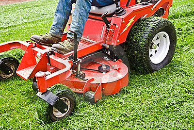 Lawn Care/ Riding Mower/ Grass