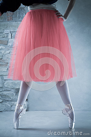 Ballet dancer on pointes in second position