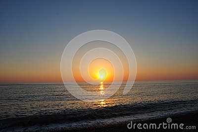 Beautiful seascape evening sunset sea and sky horizont.