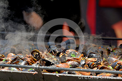 Cooking mussels