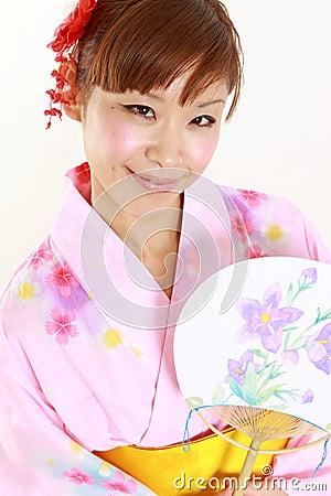 概念被射击日本妇女生活方式