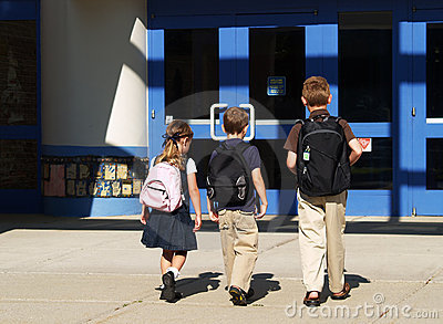 儿童去的学校 库存图片