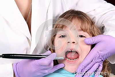 儿童牙齿检查 库存照片