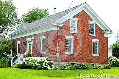 红砖房子 库存照片 - 图片
