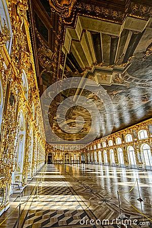 凯瑟琳的宫殿舞厅大厅在tsarskoe selo (普希金),圣彼德堡,俄罗斯.图片