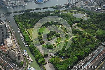 hamarikyu庭院俯视图,一个传统日本风景庭院在东京