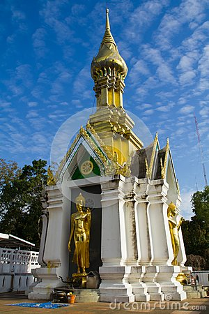 ฺBuddhist pagoda and statue