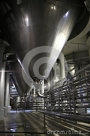 L 39 int rieur de l 39 usine de bi re image libre de droits for Interieur usine