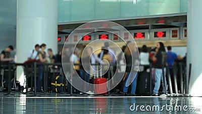 Área do registro dos viajantes do aeroporto video estoque