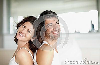 åldras lycklig home mitt för tillbaka par till