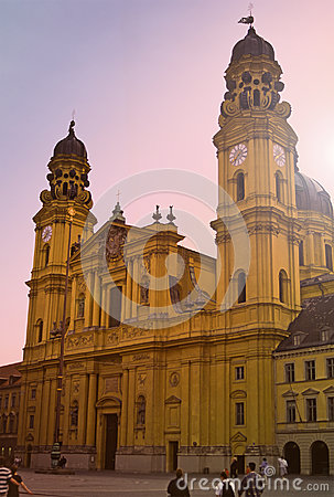 Église De Theatiener, Munich, Allemagne Photos stock - Image: 27782933