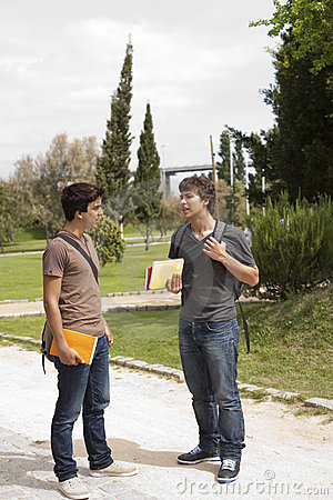 L'amitié est parfois plus fort que l'amour ! Lisez ceci... - Page 2 Students-outdoor-thumb16110303