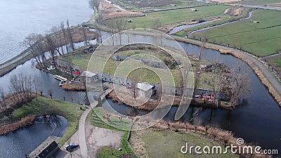 Κυκλικός πυροβολισμός του ολλανδικού φρουρίου στο παρμένο έδαφος φιλμ μικρού μήκους