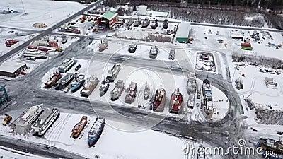 Ο πιό πολυάσχολος λίγο ναυπηγείο στην Αλάσκα φιλμ μικρού μήκους