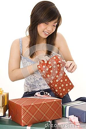 Öffnen eines Geschenks