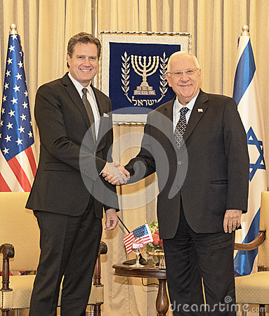 以色列鲁文里夫林总统会见美国议员的代表团在拜特