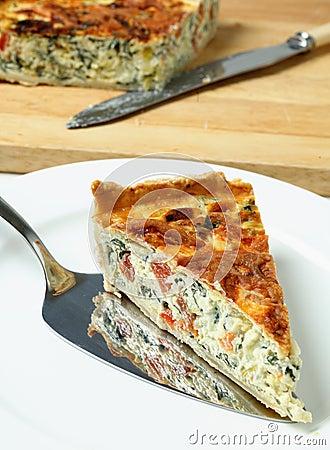 ćwikłowy quiche porcja szpinak