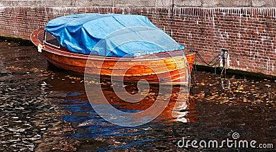 łódź drewniana