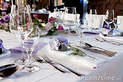 Ślubna stołowa dekoracja