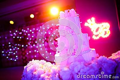 Ślubny tort