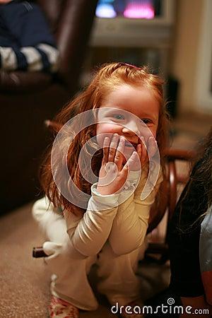 女孩惊奇的少许红头发人图片