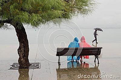 Βρέχει Εκδοτική Εικόνες