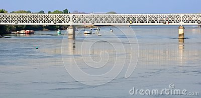 γέφυρα βαρκών πέρα από μικρό