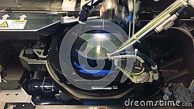 Διάταξη για τον έλεγχο της παραγωγής μικροκυκλωμάτων σε πλακέτα πυριτίου, αρνητικό χρώμα πλακιδίων πυριτίου σε μηχανή ημιαγωγών απόθεμα βίντεο
