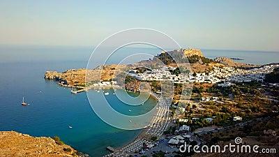 Εναέρια άποψη του ιστορικού χωριού Lindos στο νησί της Ρόδου Ελλάδα απόθεμα βίντεο