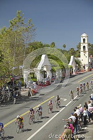 Ερασιτεχνικά άτομα Bicyclists Εκδοτική Στοκ Εικόνα