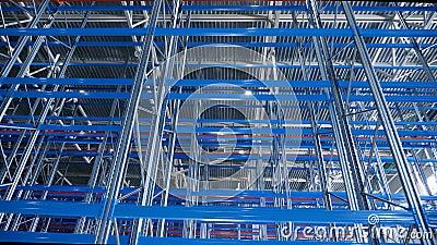 Εσωτερική Αποθήκη Μεγάλων Σύγχρονων Βιομηχανικών Κατασκευών Με Μεταλλικά Ράφια φιλμ μικρού μήκους