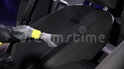 Εσωτερικό αυτοκινήτων, κλωστοϋφαντουργικά καθίσματα χημικός καθαρισμός με επαγγελματική μέθοδο εξαγωγής Πρώιμος εαρινός καθαρισμό απόθεμα βίντεο