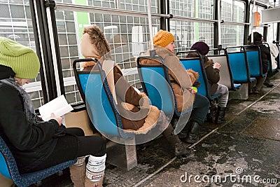 Εσωτερικό τραμ. Εκδοτική εικόνα