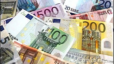 Ευρο- τραπεζογραμμάτια που πετούν μακριά απόθεμα βίντεο